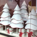 Love the simplicity is this tree/store window/BH